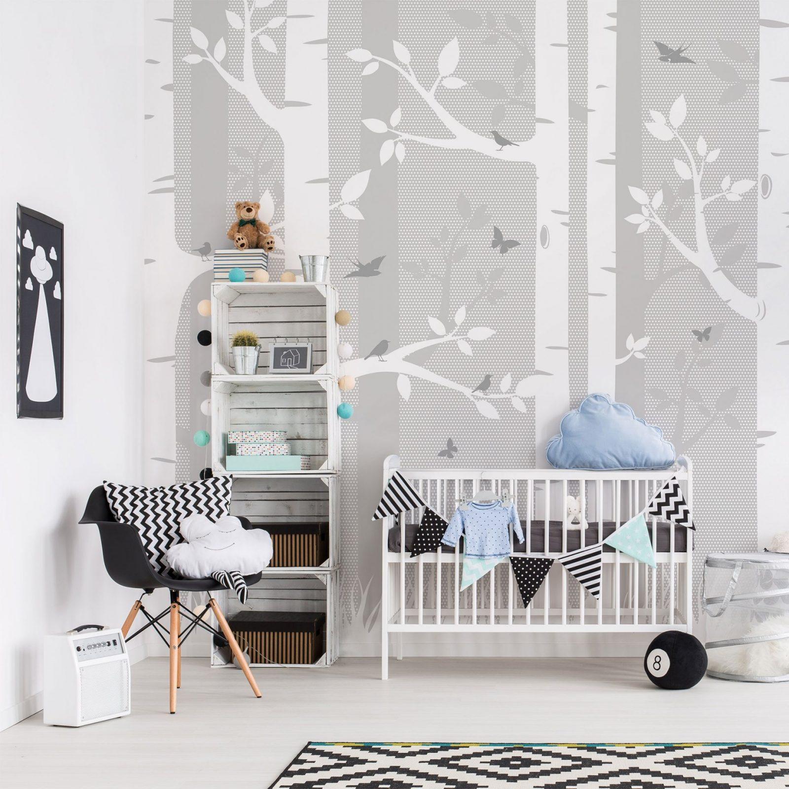 Kinderzimmer Tapete  Birkenwald Mit Schmetterlingen Und Vögel Grau von Tapete Birke Schwarz Weiß Photo