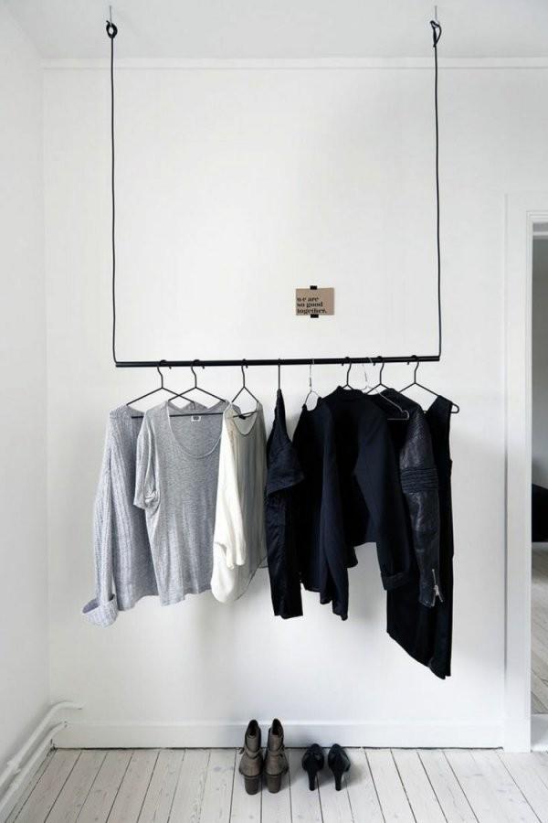 Kleiderablage Im Schlafzimmer 18 Alternativen Zum Klamottenstuhl von Ablage Für Kleidung Im Schlafzimmer Bild