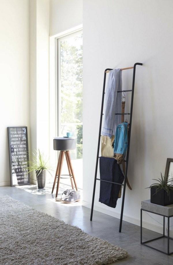 Kleiderablage Im Schlafzimmer 18 Alternativen Zum Klamottenstuhl von Ablage Für Kleidung Im Schlafzimmer Photo