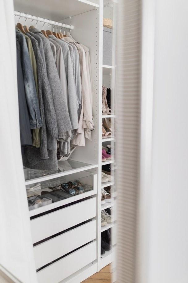Kleiderschrank Mit Vorhang Statt Türen  Dekorieren Bei Das Haus von Schrank Vorhang Statt Tür Bild