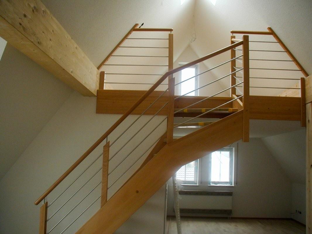 Klein  Raumspartreppen  Treppenzentrum Schmid von Raumspartreppe 1 4 Gewendelt Bild