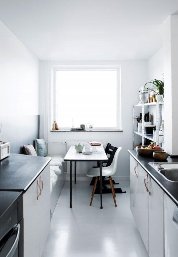 Kleine Küche Mit Essplatz Planen Und Gestalten  Inspirierende Ideen von Küche Mit Integriertem Tisch Bild