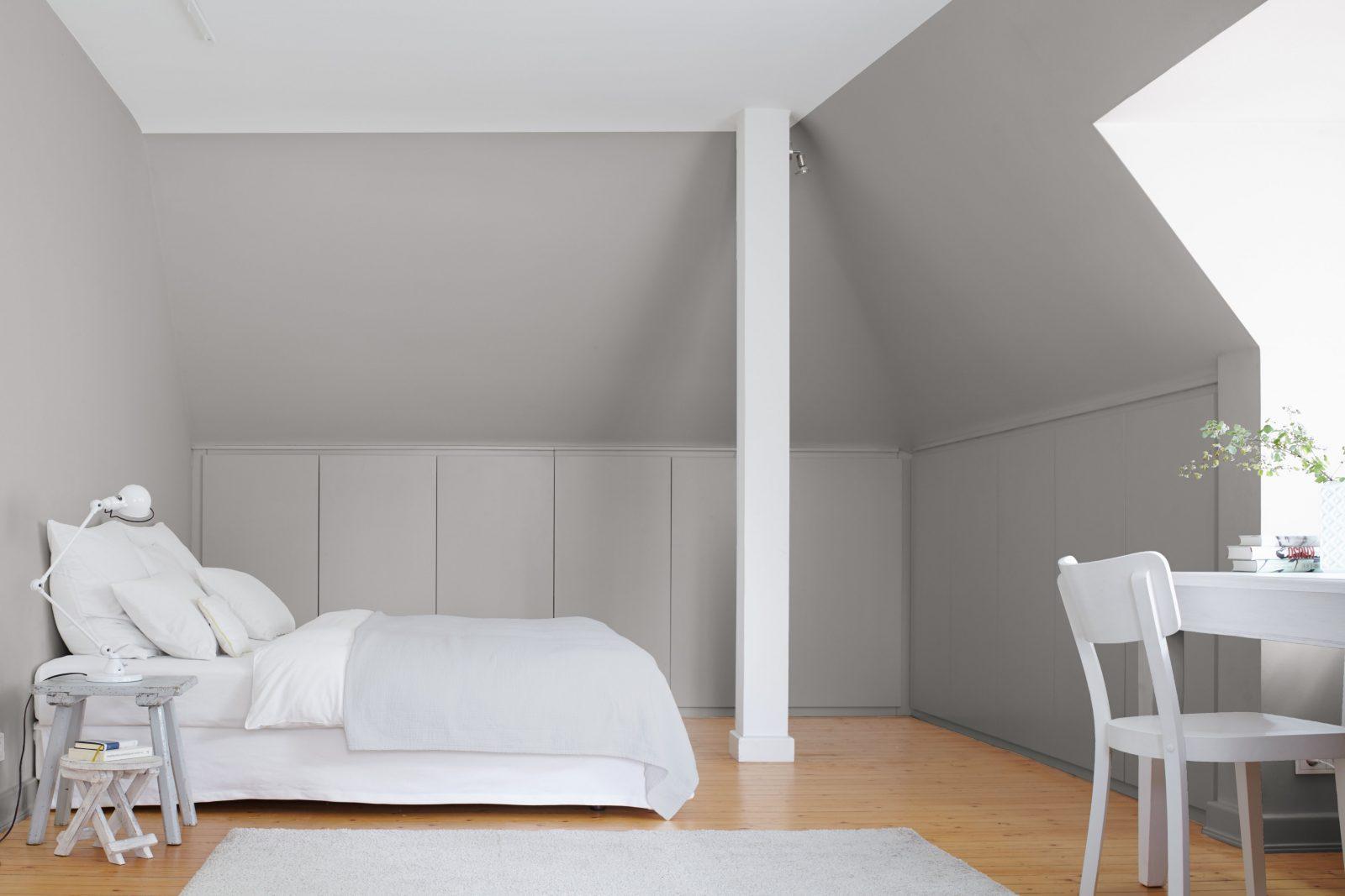 Kleine Zimmer Dachschrägen Optisch Vergrößern Alpina Farbe  Wirkung von Jugendzimmer Mit Dachschräge Einrichten Bild