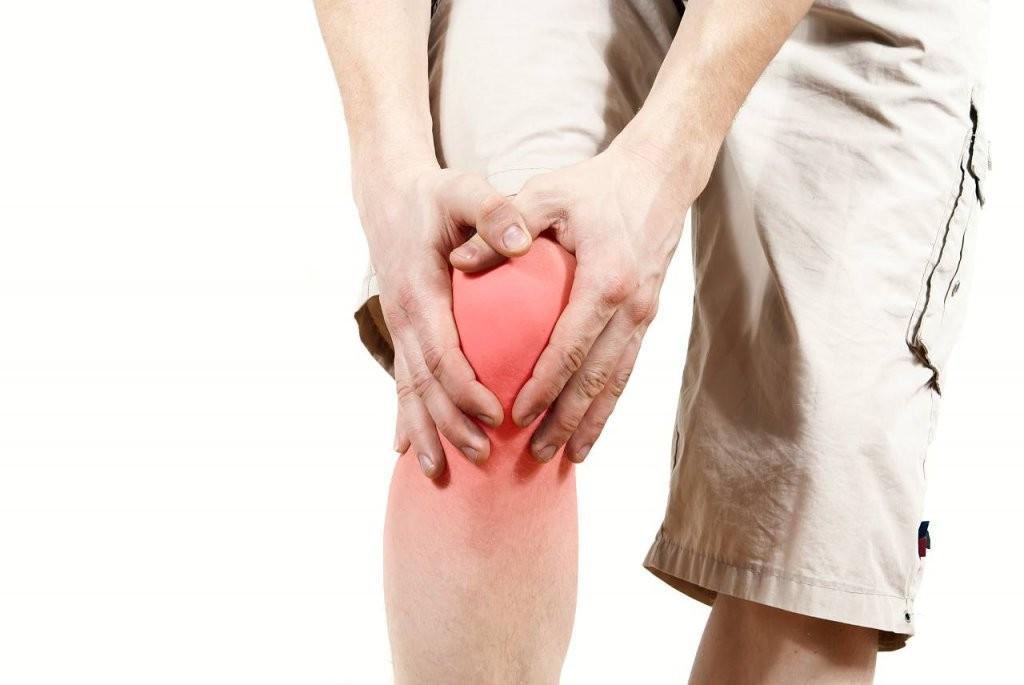 Knieschmerzen Das Sind Die Neuen Behandlungsmethoden  Focus Online von Knieschmerzen Beim Treppe Runter Photo