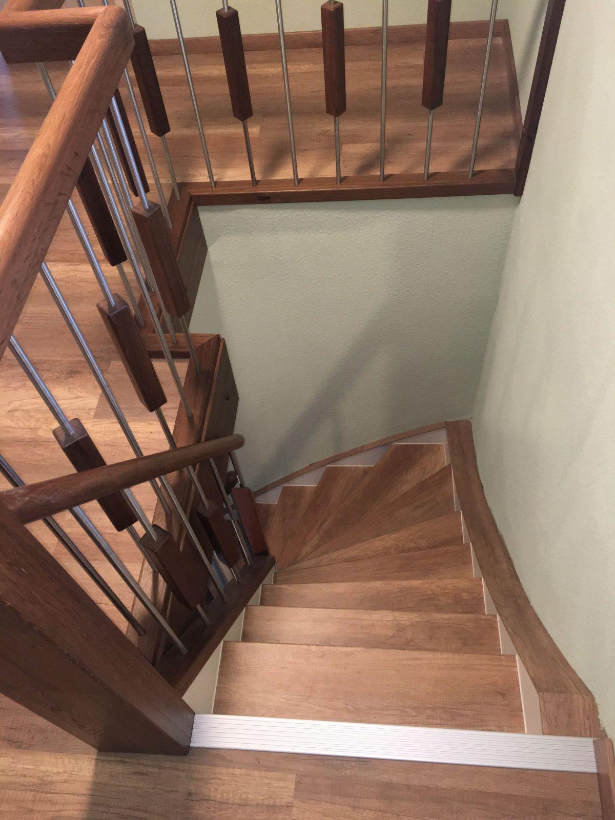 Komplettlösung Treppenrenovierung  Alte Treppe Neu Gestalten von Alte Treppen Neu Gestalten Bild