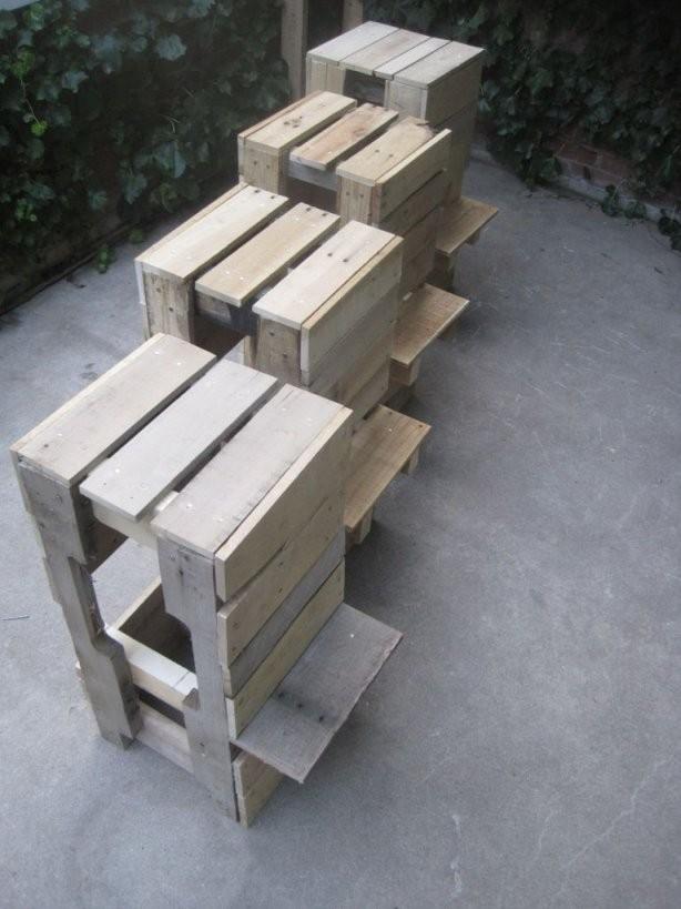 Kreative Palettenmöbel – Selbstgebaute Stühle Und Sessel Aus von Stehtisch Aus Paletten Selber Bauen Photo