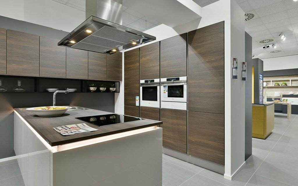 Küchenstudio In Essen Auf 2000 Qm Fläche  Meda Gute Küchen von Küche L Form Günstig Kaufen Bild