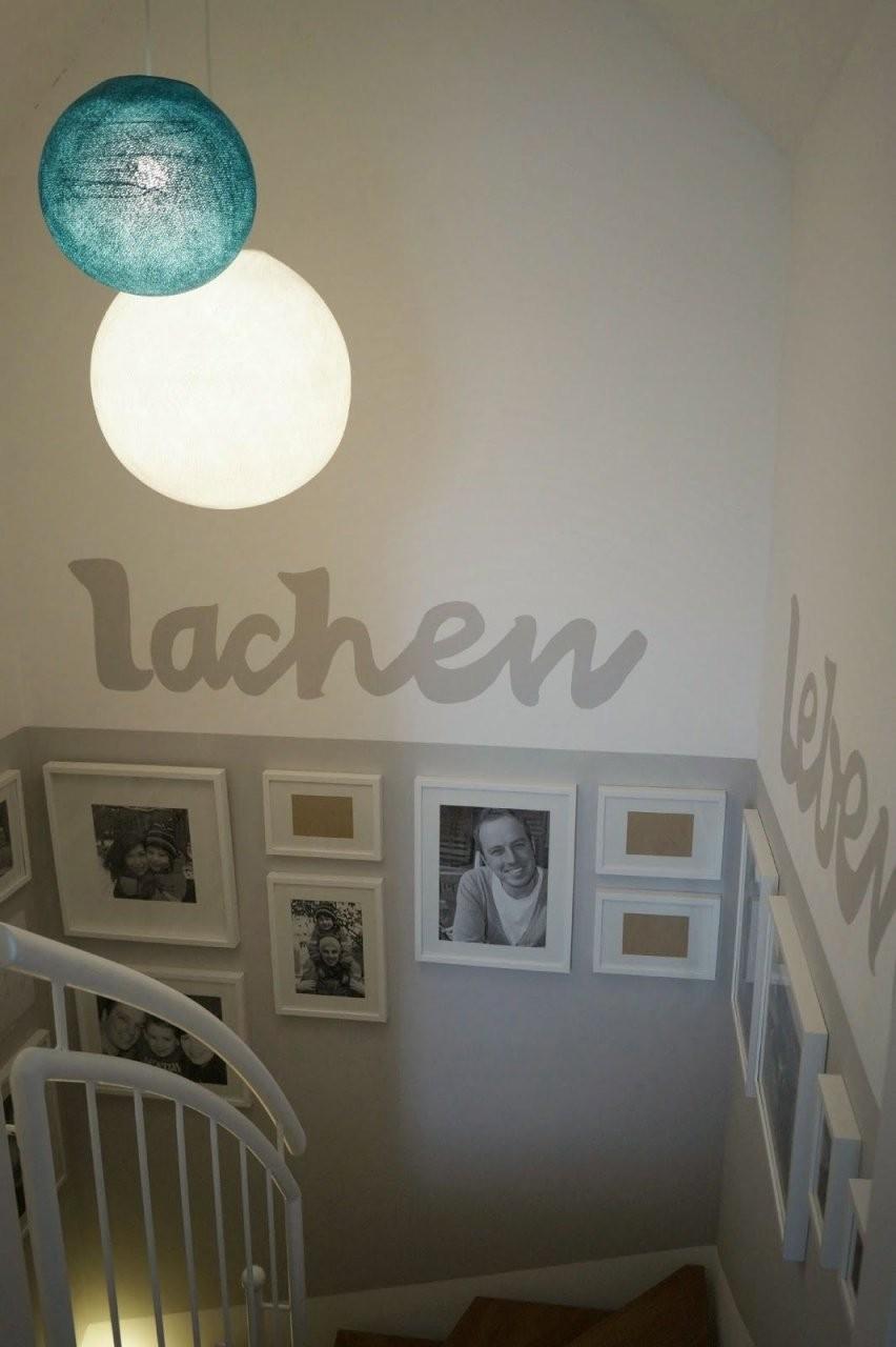 Lachkauz Treppenhaus Makeover  Living In 2019  Treppe Haus von Treppe Streichen Welche Farbe Bild