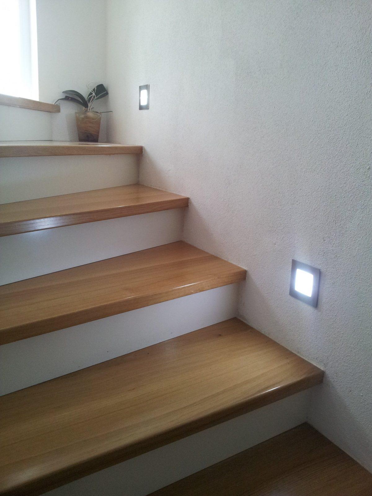 Led Treppenbeleuchtung  Led Flurbeleuchtung  Led Orientierungslicht von Flur Und Treppenbeleuchtung Mit Bewegungsmelder Bild