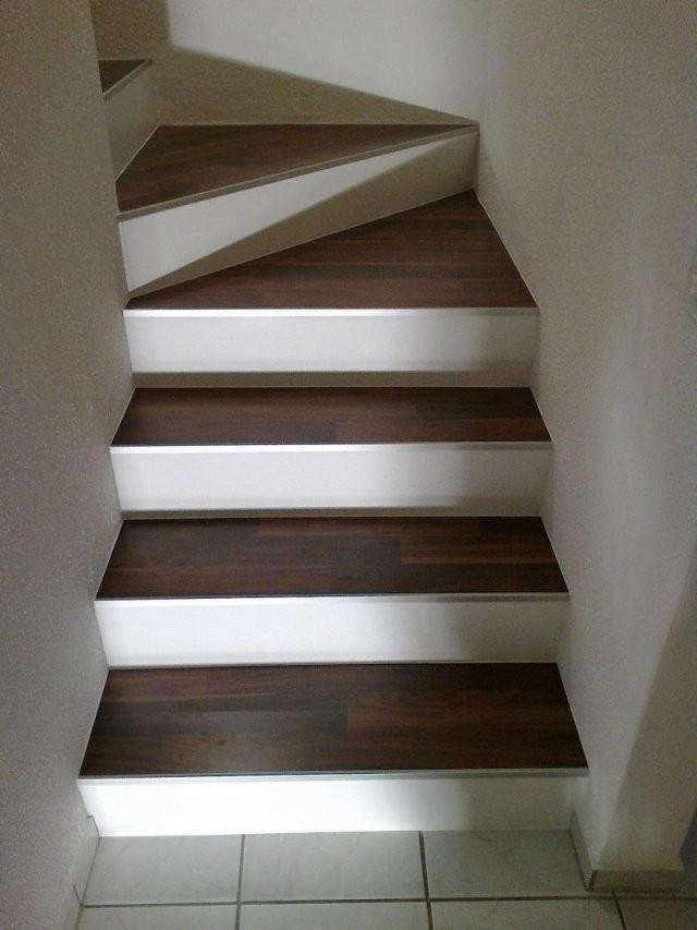 Linoleum Für Treppen von Vinyl Auf Treppe Verlegen Photo