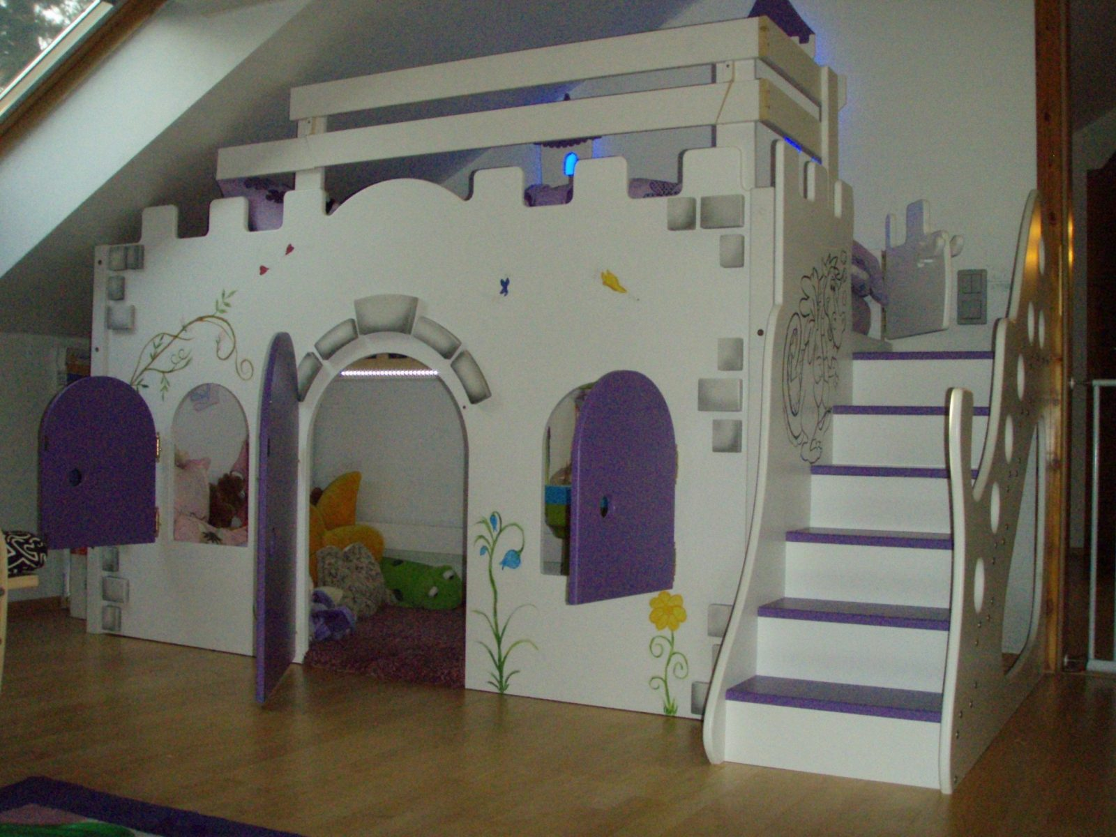 Mädchen Hochbett Außergewöhnlich  غرف اﻷطفال Kids Rooms  Hochbett von Prinzessin Hochbett Selber Bauen Bild