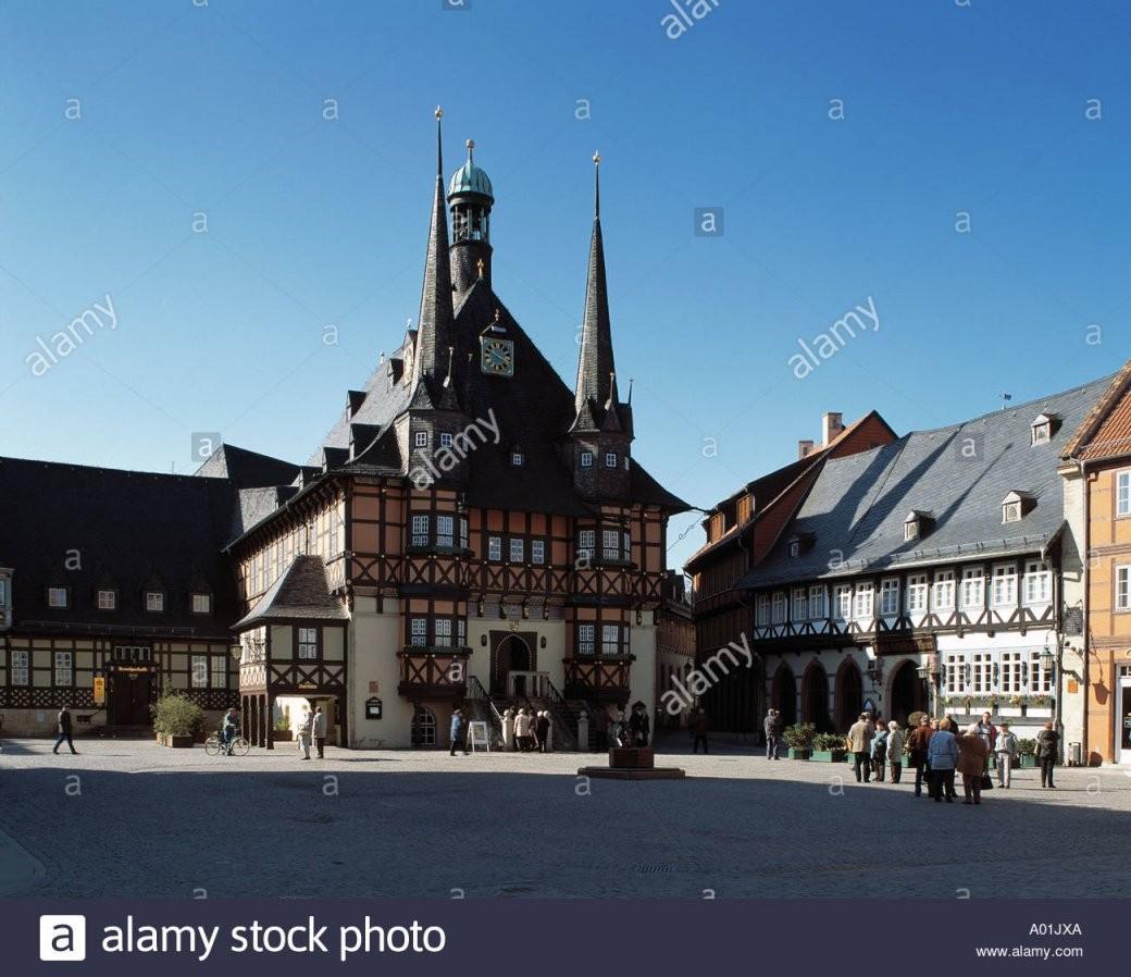 Marktplatz Mit Rathaus Und Hotel Gothisches Haus Wernigerode Harz von Hotel Gothisches Haus Wernigerode Bild