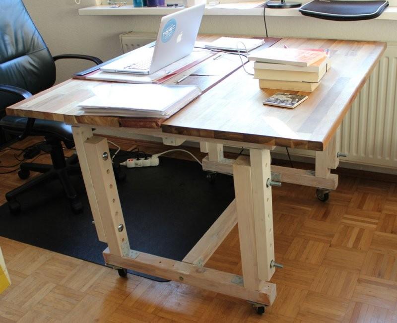 Mein Neuer Schreib Und Esstisch  Meinekleinewohnung von Höhenverstellbarer Schreibtisch Selber Bauen Photo