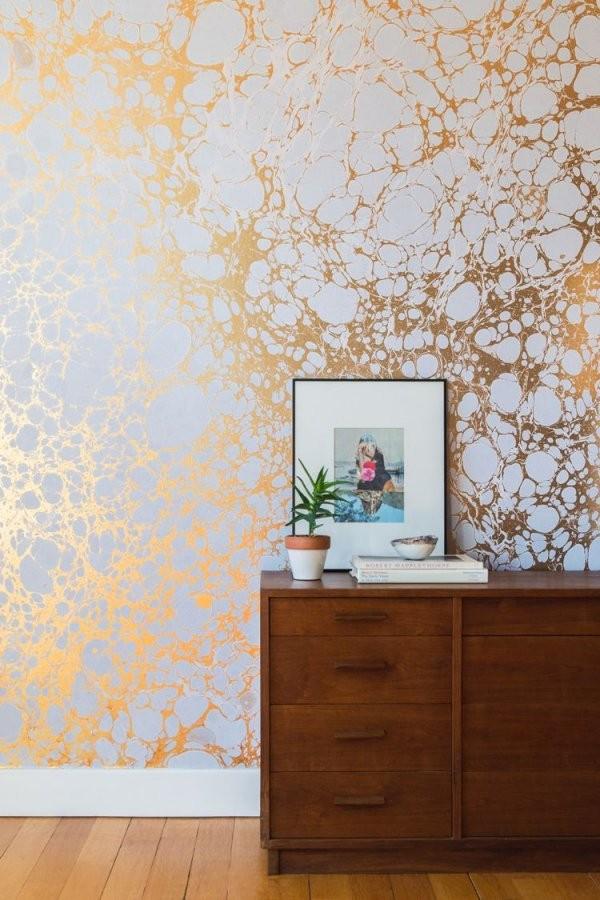 Metallische Wandgestaltung Goldwandfarbeeffektemodernschick von Wandfarbe Gold Farbe Wandgestaltung Bild