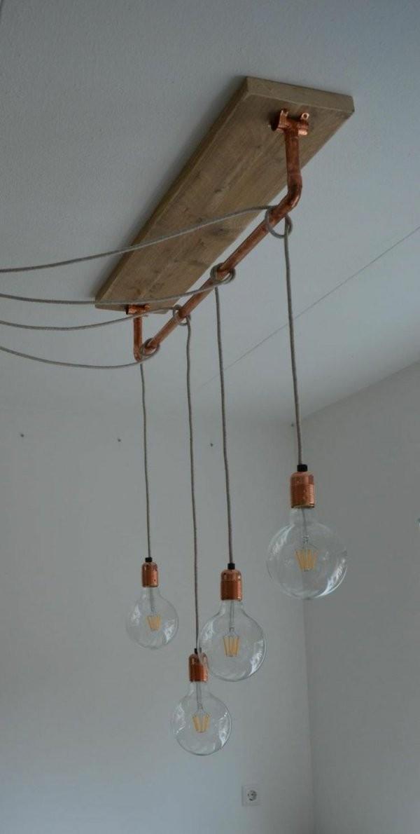 Mit Glühbirnen Am Kabel Können Sie Lampen Versetzt Anbringen  House von Glühbirne Lampe Selber Machen Bild