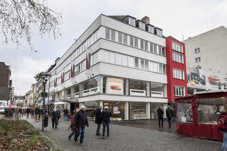 Möbel Kröger In Steele Kabs Polsterwelt Ist Der Neue Mieter  Waz von Möbel Rehmann Essen Steele Bild