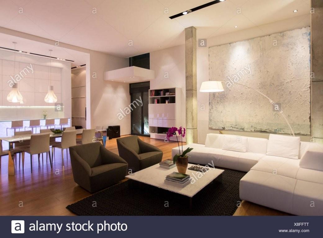 Modernes Wohnzimmer Küche Esszimmer Stockfotos  Modernes Wohnzimmer von Modernes Wohnzimmer Mit Essbereich Photo