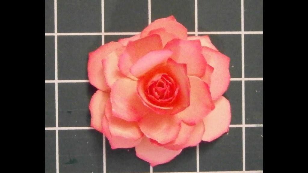 Muttertag Eine Papier Rose Selber Basteln  Youtube von Rose Basteln Papier Anleitung Bild