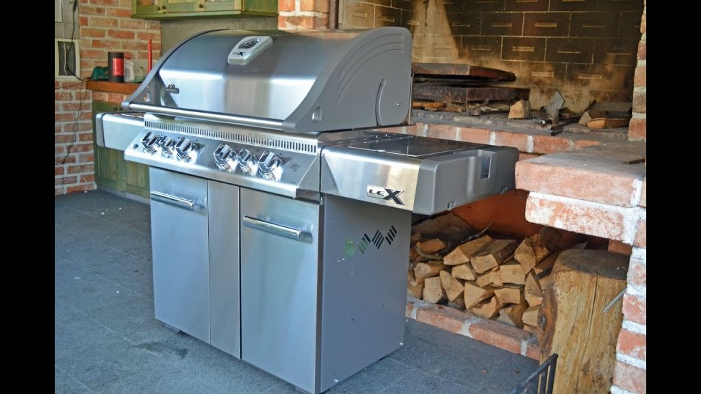 Napoleon Lex 605 Gas Grill  Video Review Customgrills  Youtube von Napoleon Lex 605 Test Photo