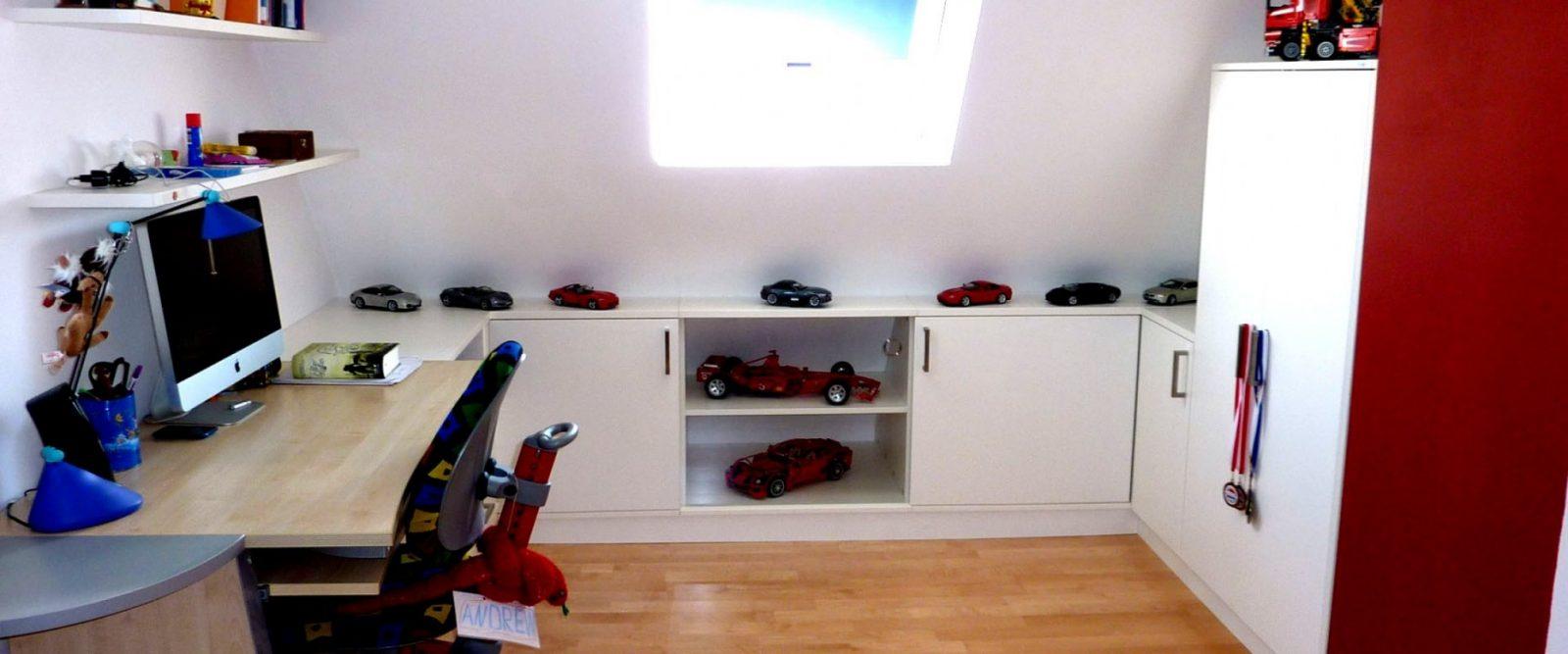Neuesten Jugendzimmer Mit Schrage Madchen Dachschräge Dachzimmer von Kinderzimmer Mit Dachschräge Einrichten Photo