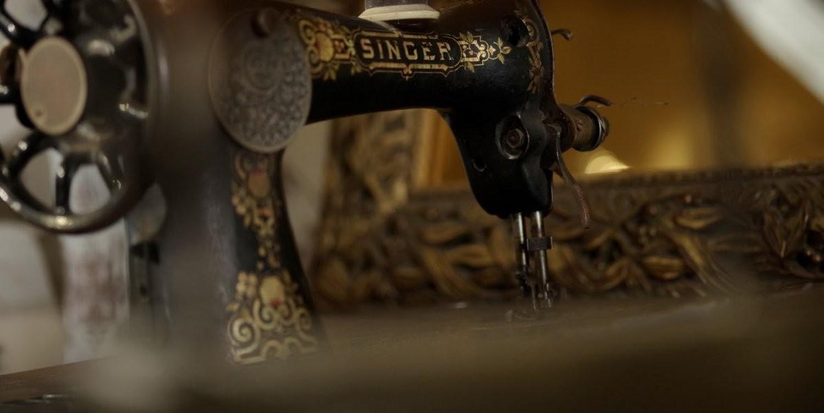 Onze Historie Bestellen Bij Atelier Goldner Schnitt von Atelier Goldner Schnitt Lagerverkauf Photo