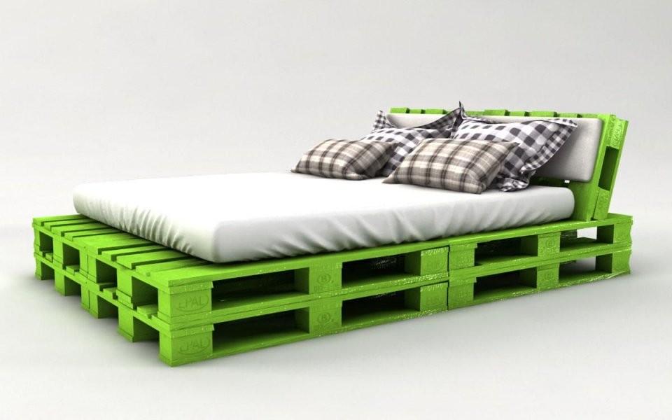 Palettenbett Bauen  Ganz Einfach  Hier 2 Praktische Varianten von Bett Aus Paletten Bauen 140X200 Bild