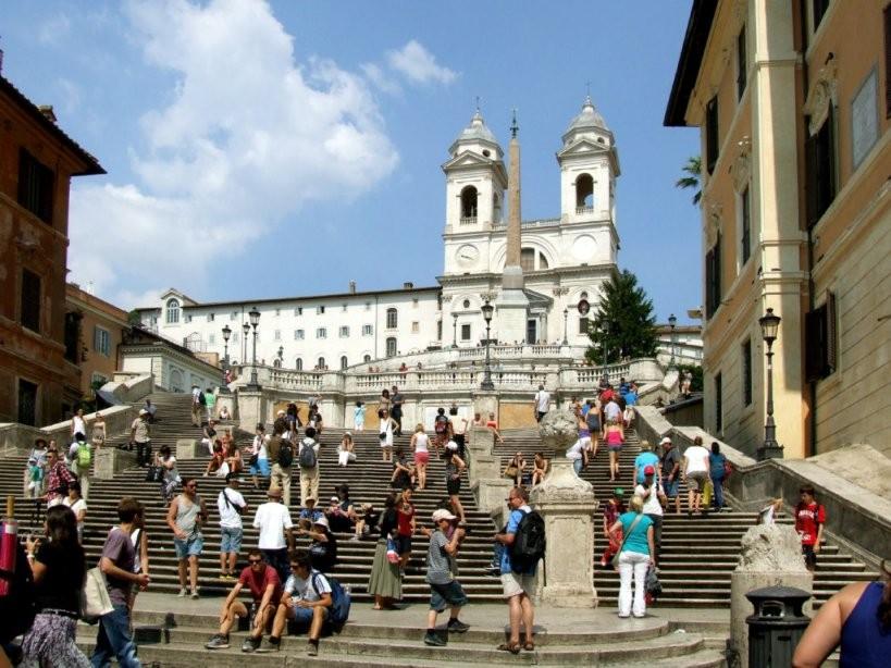 Piazza Di Spagna – Autofrei  Stadtbesichtigungen von Spanische Treppe Rom Gesperrt Bild