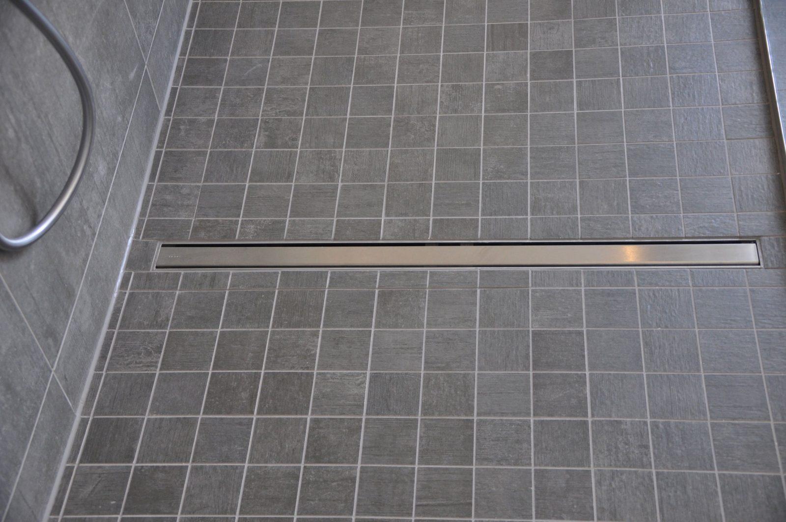 Pin Von Konstantin Mayer Auf Bad In 2019  Badezimmer Begehbare von Mosaik Fliesen Dusche Boden Photo