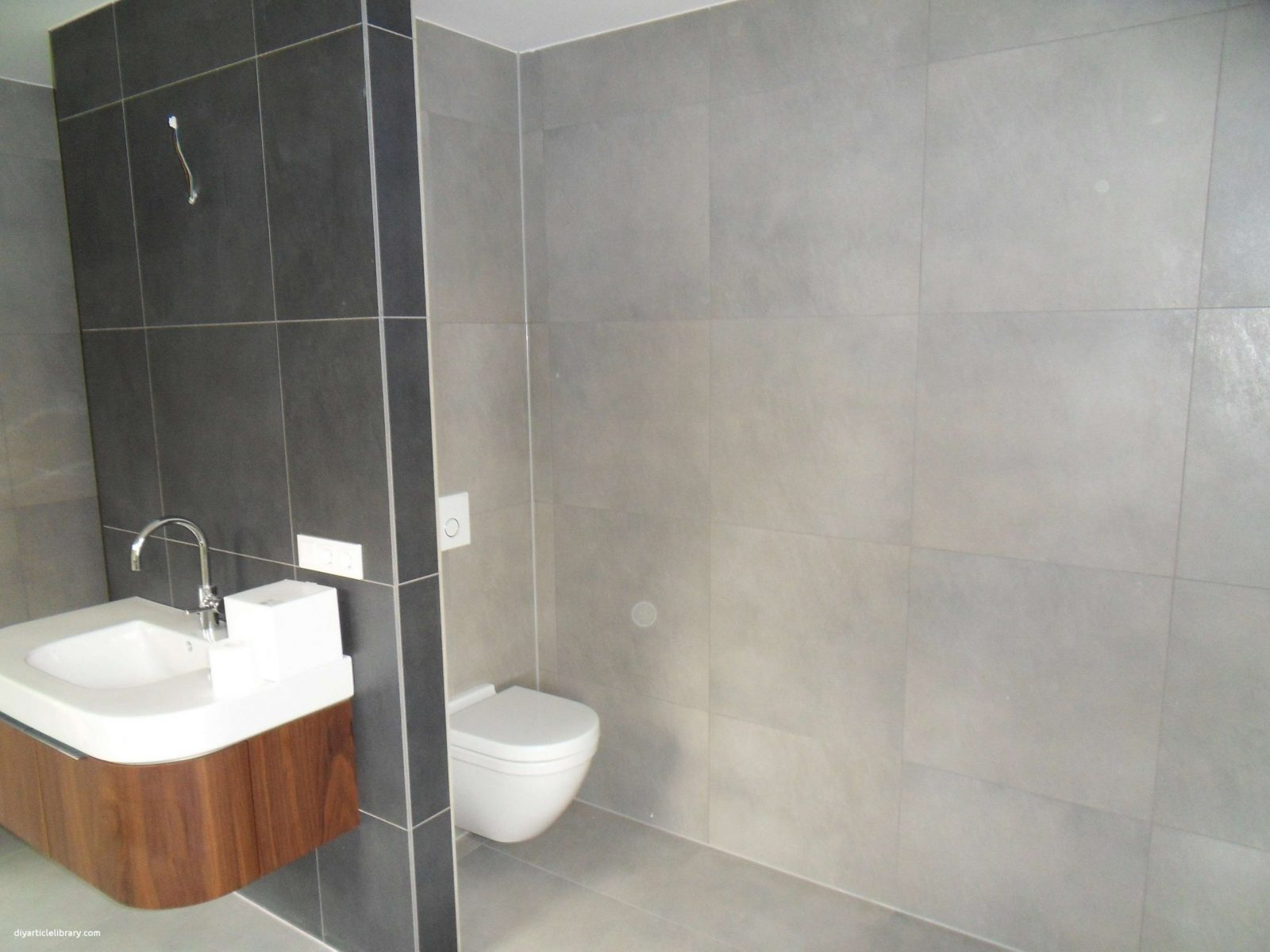 Plissee Badezimmer Genial Wohnideen Fliesen Bad Anthrazit Mit Neu von Fliesen Bad Ideen Modern Bild