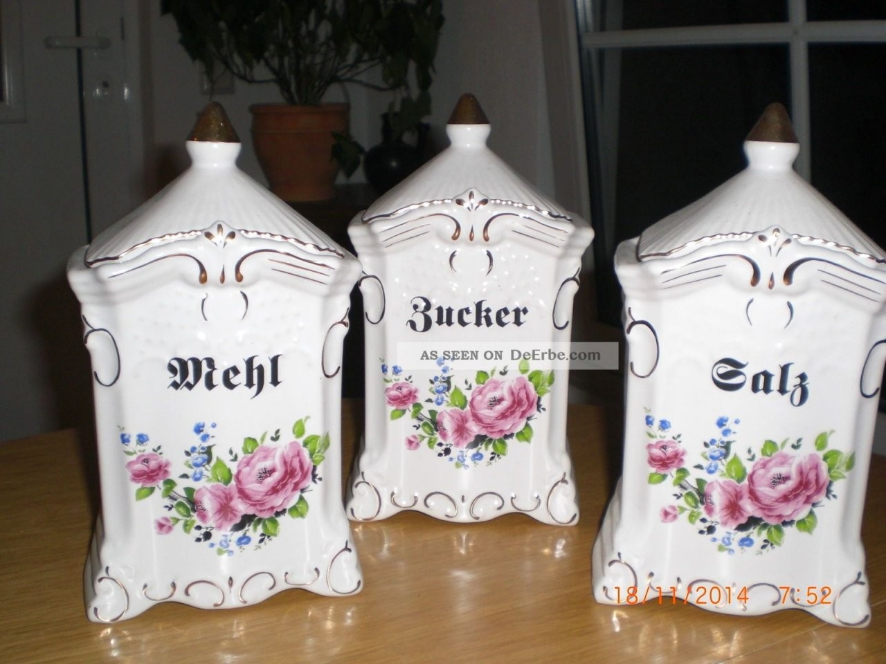 Porzellan Vorratsdosen von Vorratsdosen Mehl Zucker Salz Keramik Photo