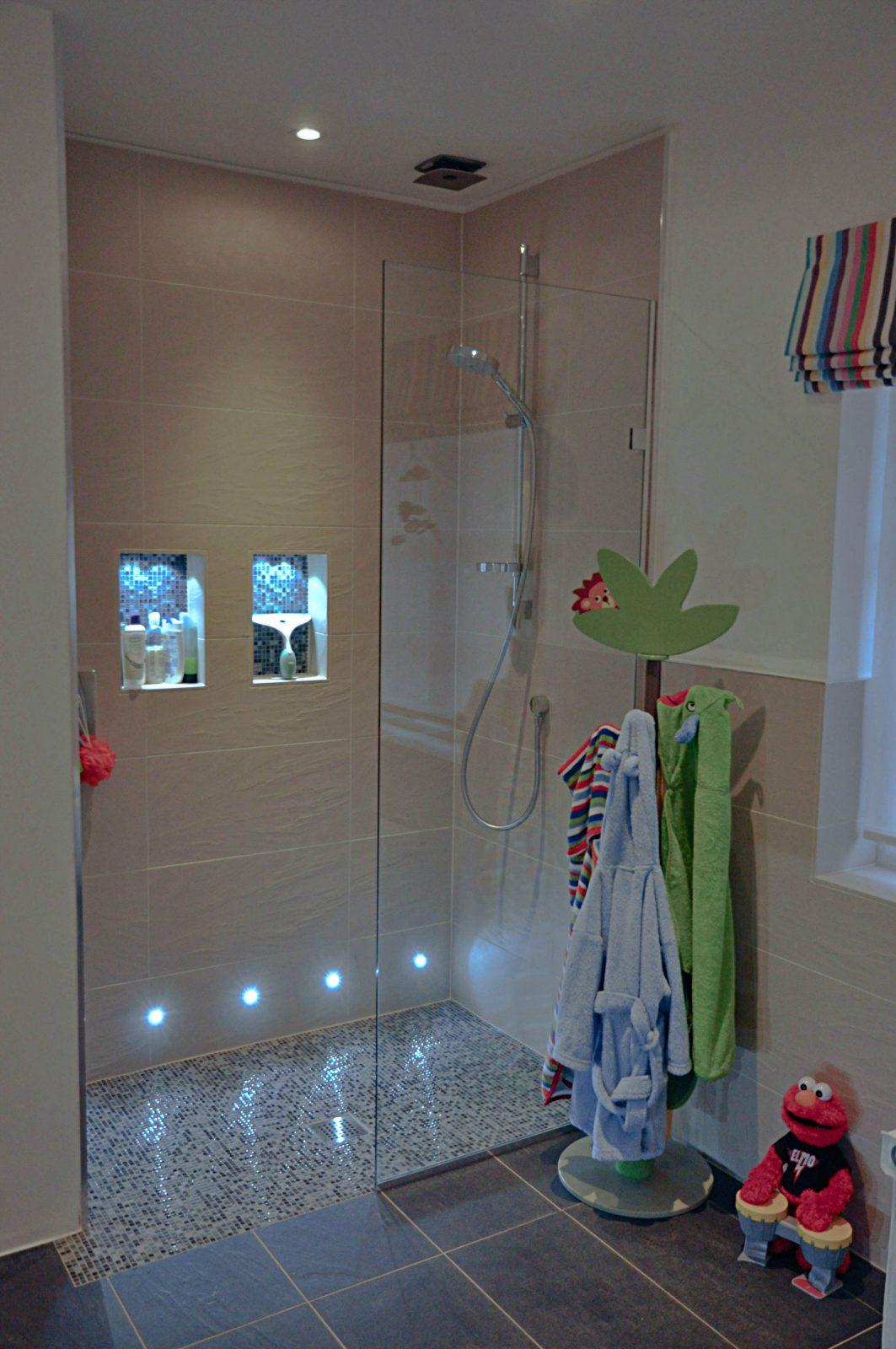 Pour Éclairage Dans Alcoves  Zukünftige Projekte  Badezimmerideen von Duschideen Für Kleine Bäder Bild