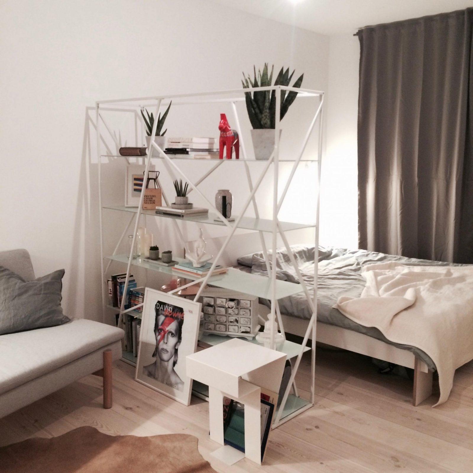 Raumteiler Kreativ Einsetzen Inspiration Bei Couch von Ausgefallene Ideen Zur Raumabtrennung Photo