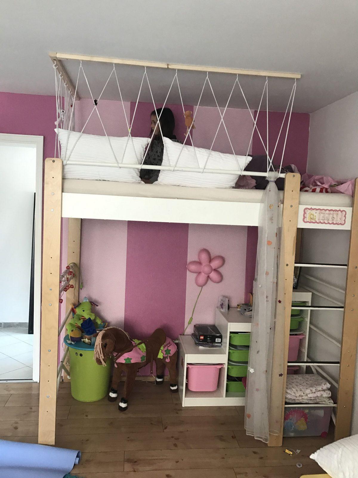Rausfallschutz Fürs Hochbett  Hochbett In 2019  Bett Kinderzimmer von Hochbett Für Kinder Selber Bauen Photo