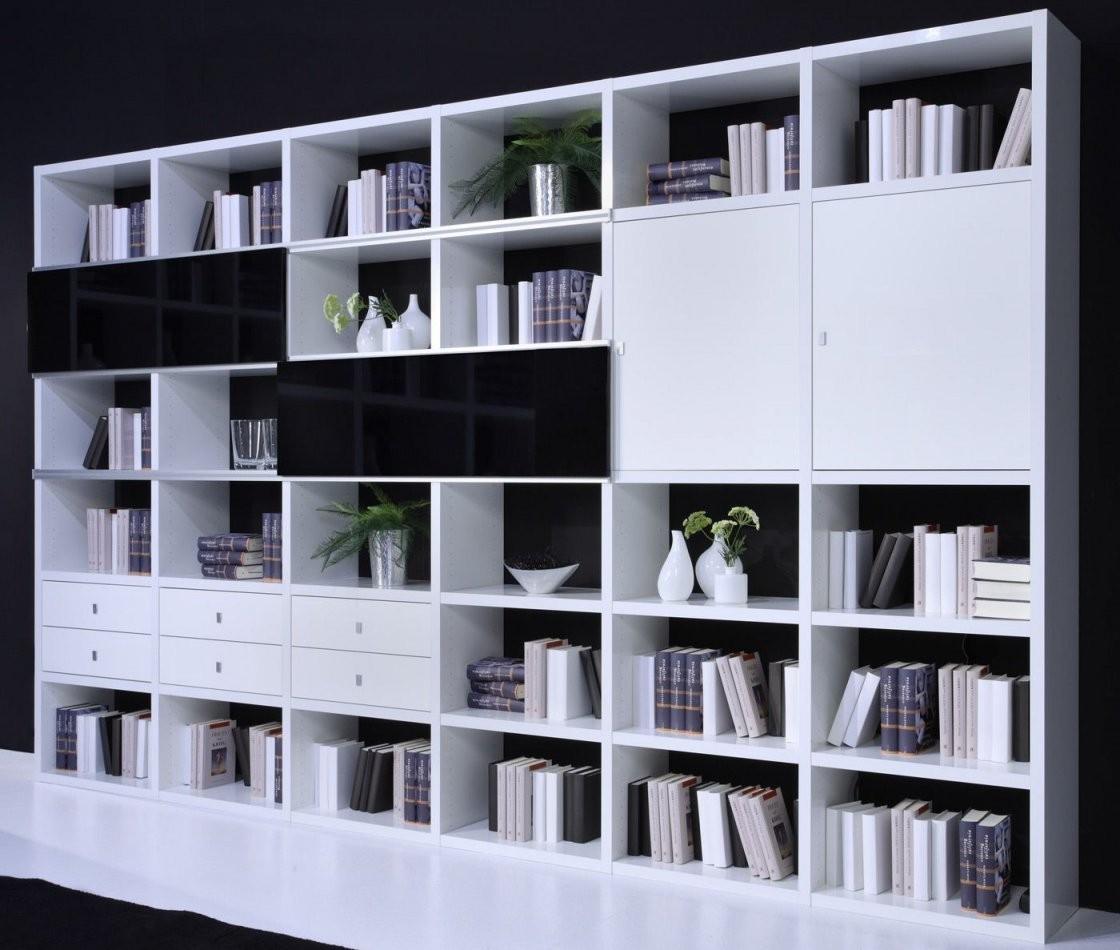 Regal Mit Türen Weiß Hochglanz Toro Regalsysteme Bücher Weiß von Regal Mit Türen Weiß Hochglanz Bild