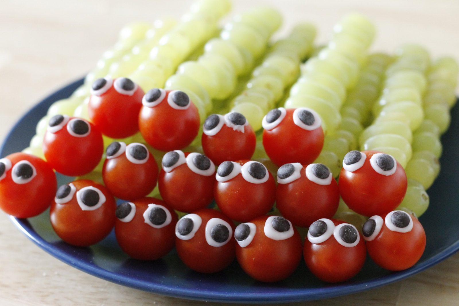 Regenbogen Einhorn Geburtstag Deko Spiele  Kuchen Für Konzept Obst von Obst Deko Für Kindergeburtstag Photo