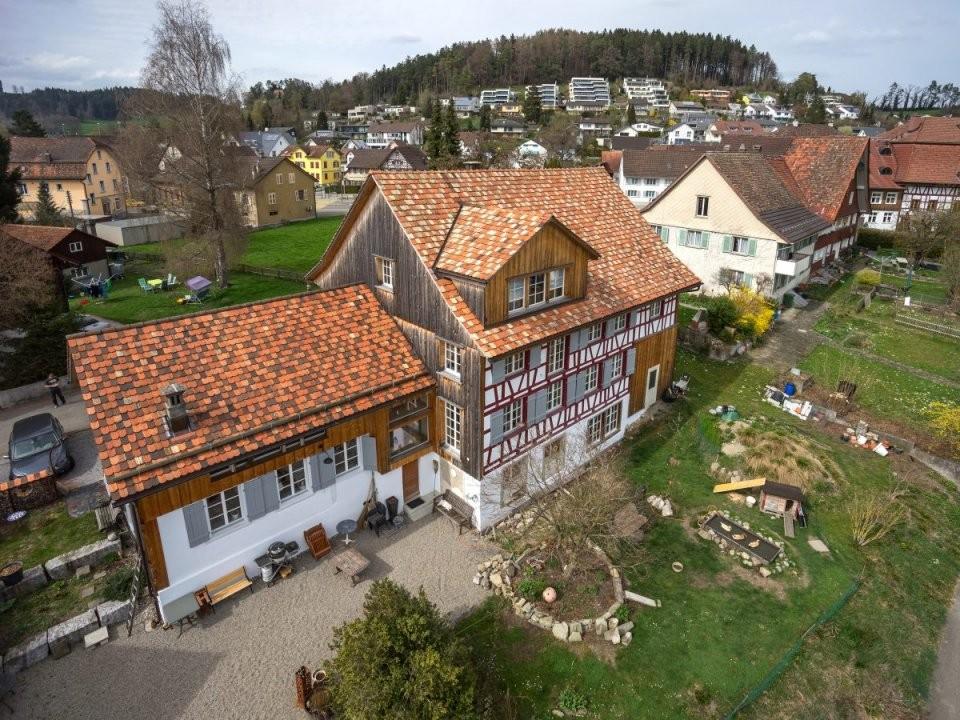Renovation Riegelhaus Thurgauer Bauernhaus Erstrahlt In Neuem Glanz von Altes Haus Umbauen Kosten Photo