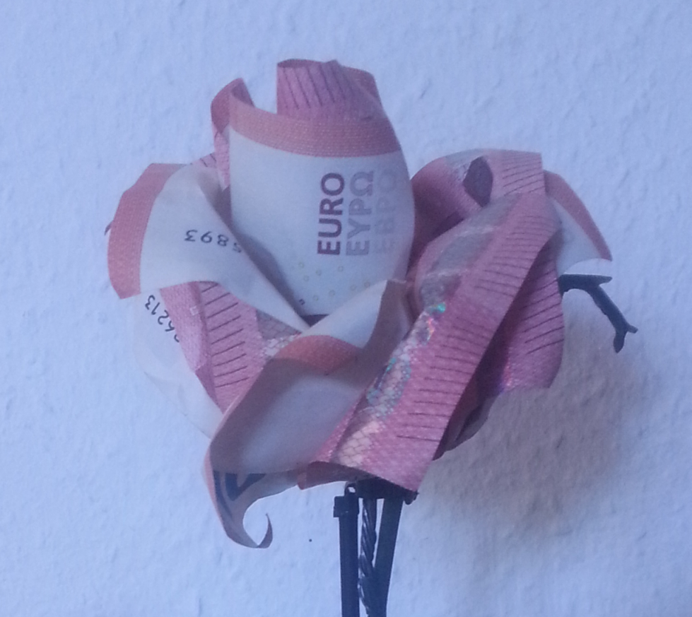 Rose Aus Geldscheinen Falten  Origami Mit Geldscheinen von Blumen Basteln Aus Geld Photo