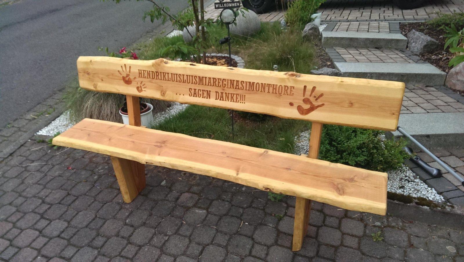 Rustikale Gartenbank Aus Baumstämmen Design von Rustikale Gartenbank Aus Baumstämmen Bild