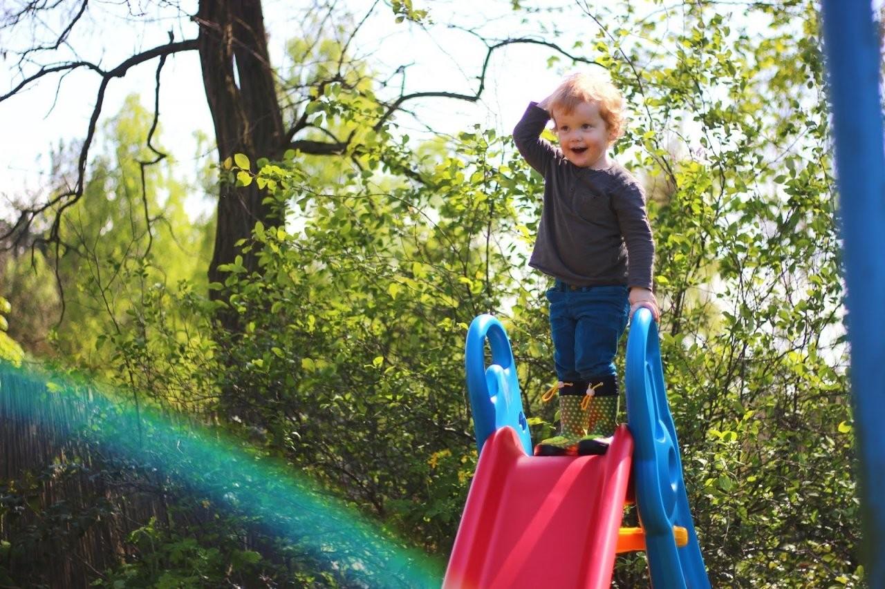 Rutschen Wie Ein Sausewind  Die Big Fun Slide Rutsche Zieht In Omas von Rutsche Big Fun Slide Photo