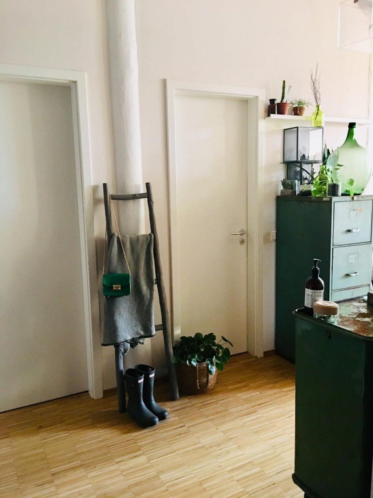 Säule • Bilder  Ideen • Couch von Säule Im Wohnzimmer Gestalten Photo