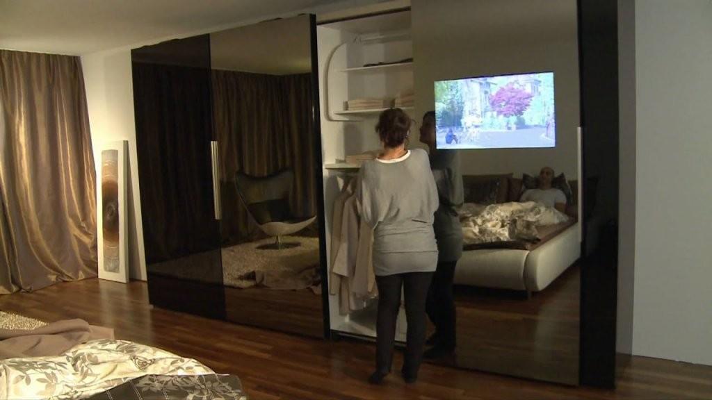 Schiebetürenschrank Mit Integriertem Tv Bei Möbel Schaller  Youtube von Schlafzimmerschrank Mit Tv Fach Bild