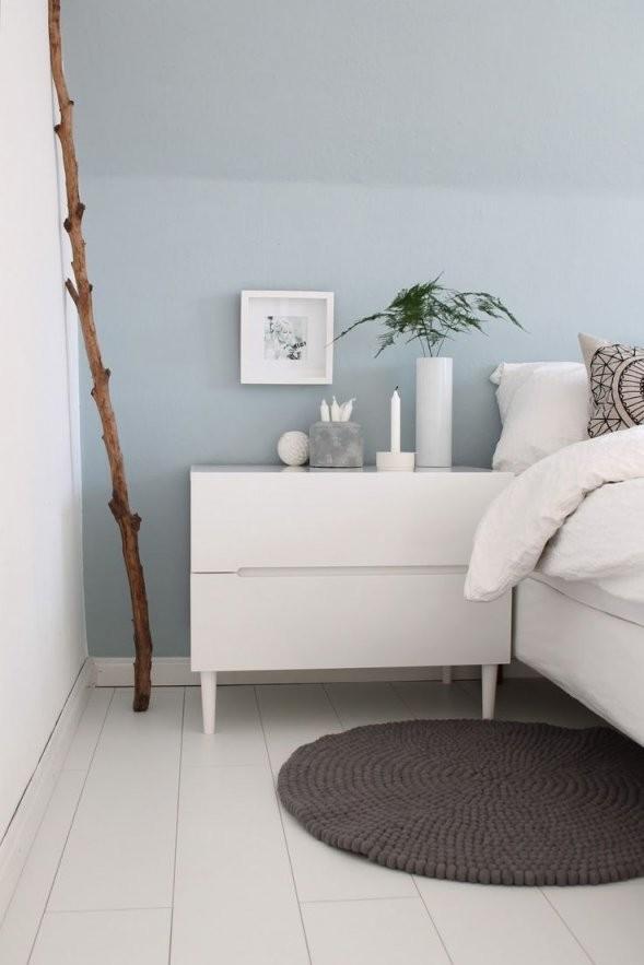 Schlafzimmer Hellblaue Wand Mit Weißen Möbeln  Schlafzimmer von Wandfarbe Zu Weißen Möbeln Photo