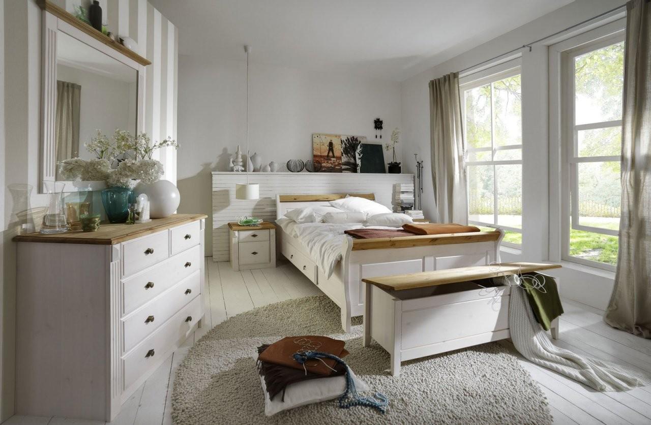 Schlafzimmer Im Landhausstil Eva Weiß Gelaugt Geölt Von Jumek von Schlafzimmer Im Landhausstil Weiß Photo