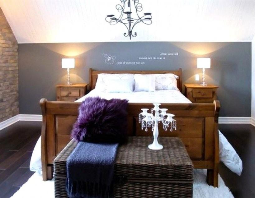 Schlafzimmer Mit Schrägen Wänden Gestalten  Haus Ideen  Haus Ideen von Bilder An Schrägen Wänden Photo