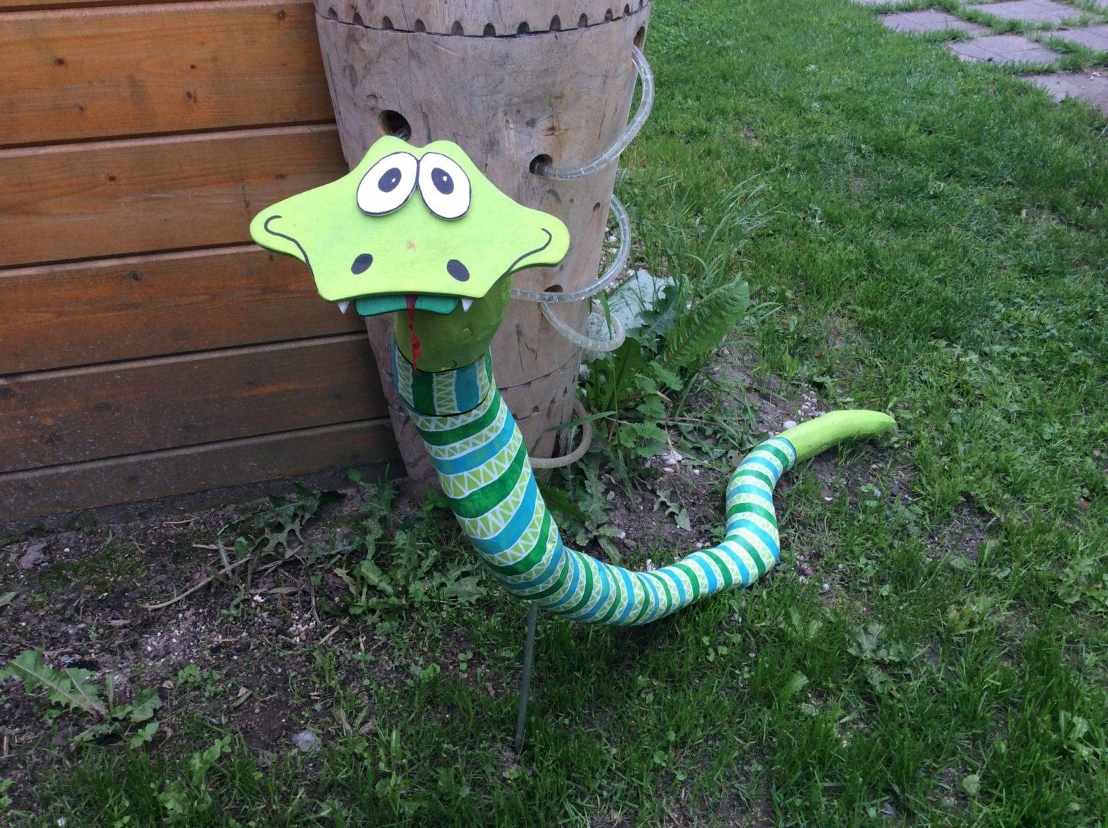 Schlange Aus Dickem Ast Lustige Holzfigur Gartenfiguren von Holzfiguren Garten Selber Machen Bild