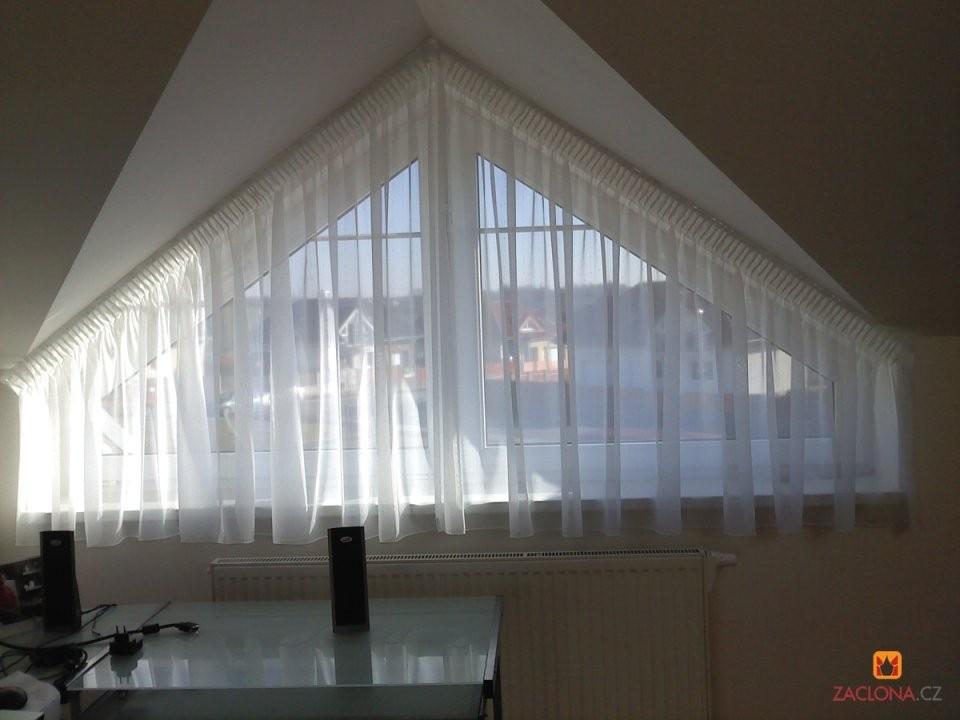 Schräge Decken Schräge Fenster  Heimtex Ideen von Gardinen An Der Decke Befestigen Bild
