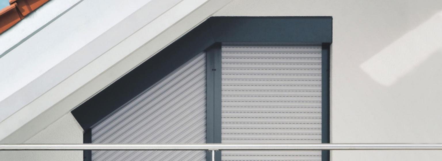 Schrägrollladen Von Roma – Die Lösung Für Schräge Fenster von Jalousien Für Dreieckige Fenster Photo