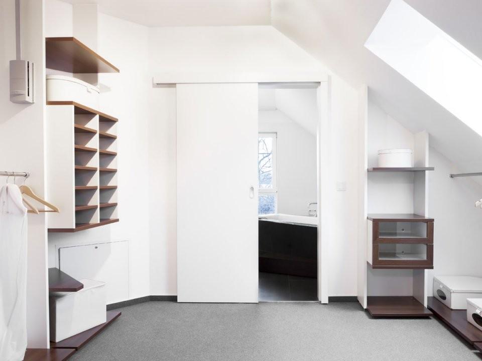 Schrank Für Ihre Dachschräge Selber Bauen von Begehbarer Kleiderschrank Dachschräge Selber Bauen Bild