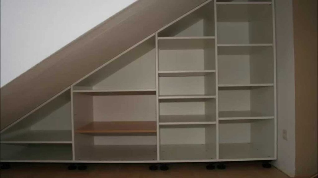 Schrank Unter Dachschräge  Youtube von Schrank In Dachschräge Selber Bauen Bild