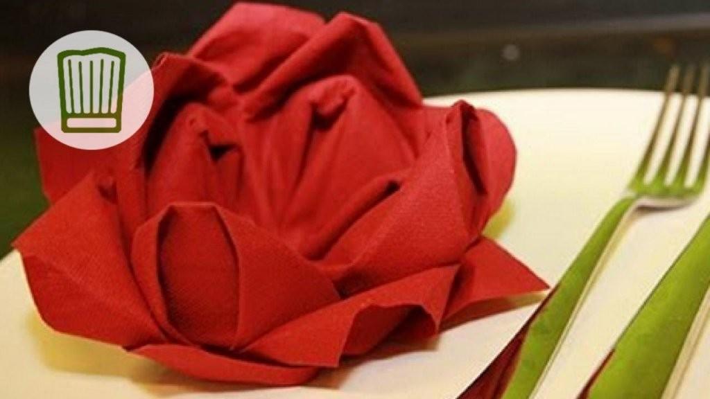 Servietten Falten  Die Rose  Tischdeko Zum Valentinstag  Video von Servietten Falten Blume Anleitung Bild